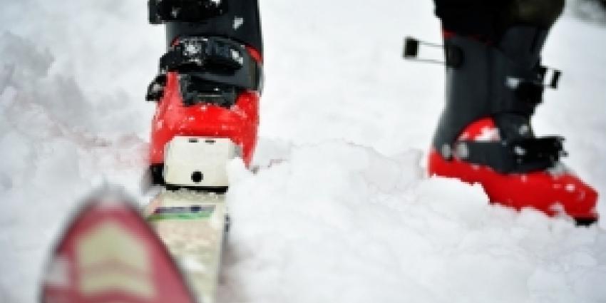 Wintersporters muurvast op Franse N90