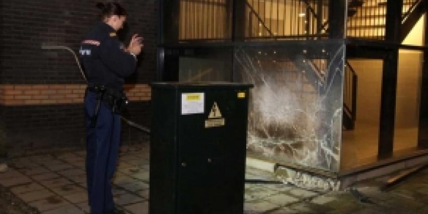 Mogelijke vuurwerkbom leidt tot schade aan flat