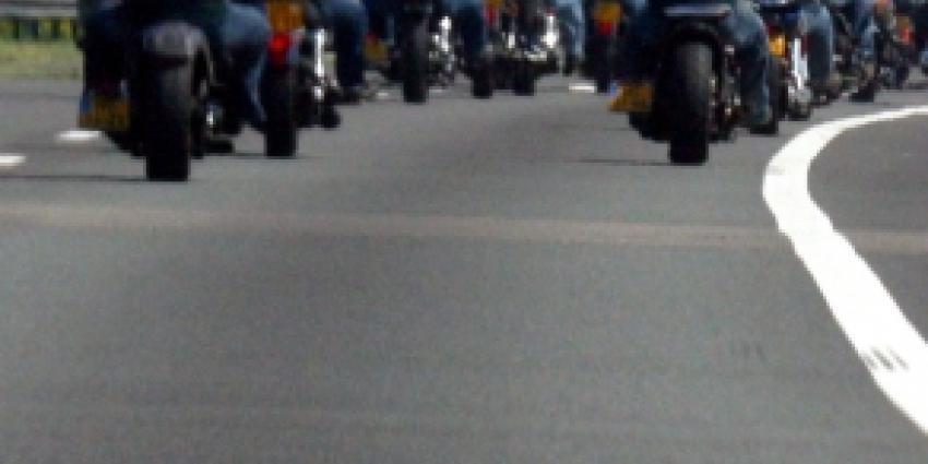 Criminele motorbendes minder vaak in het openbaar