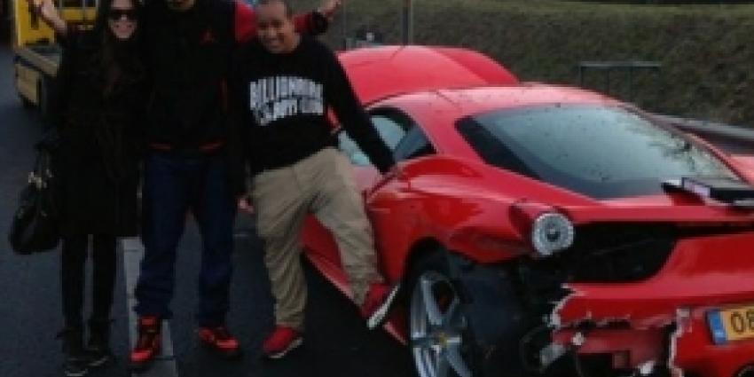 DJ Afrojack rijdt splinternieuwe Ferrari aan diggelen