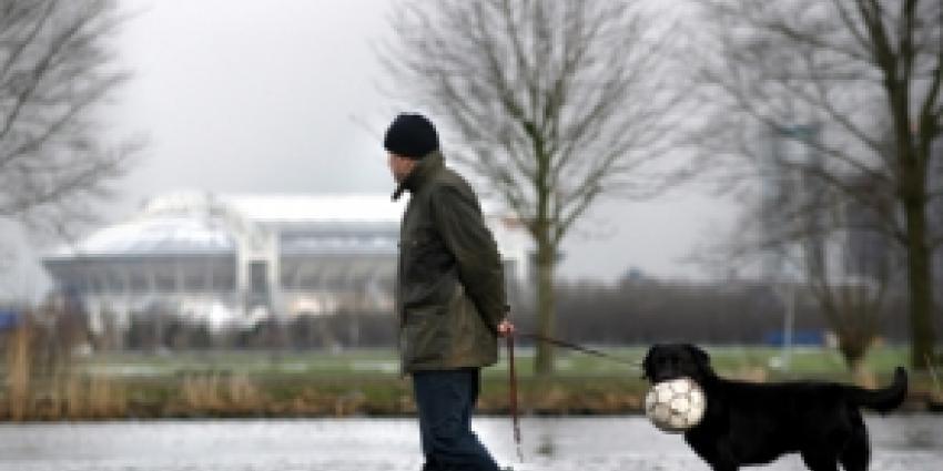 Ajax nieuwe koploper na eenvoudige overwinning op PEC