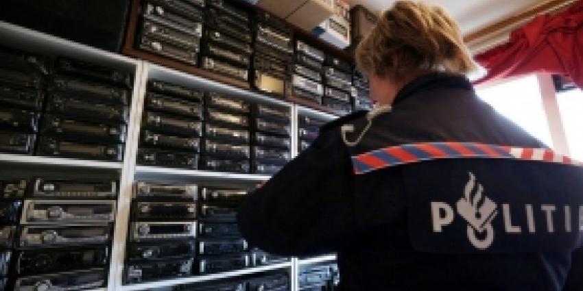 Honderden gestolen autoradio's in beslag genomen