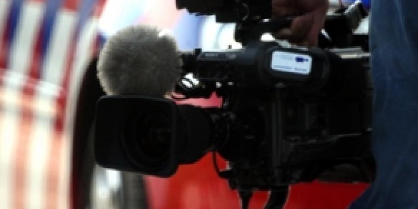 Bewoner bedreigt cameraman bij oprollen hennepkwekerij