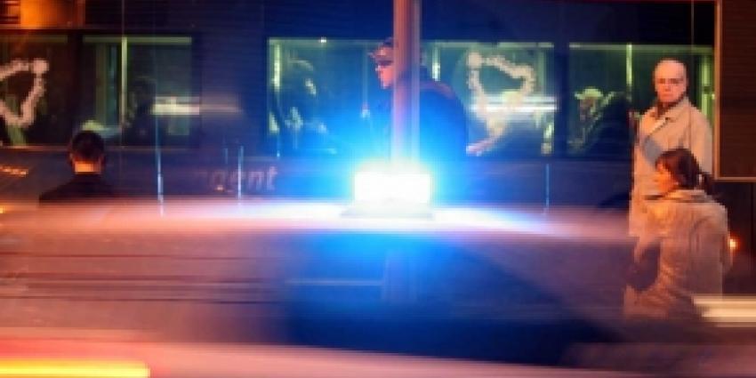 Dronken Tilburger (40) rijdt door na botsing met twee auto's