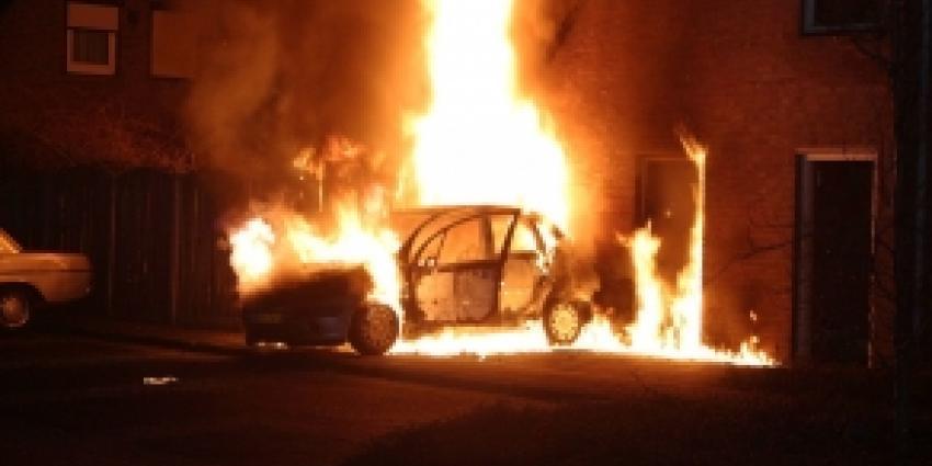 Auto in vlammen op in Uden