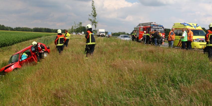 Automobiliste gewond bij ongeval N33