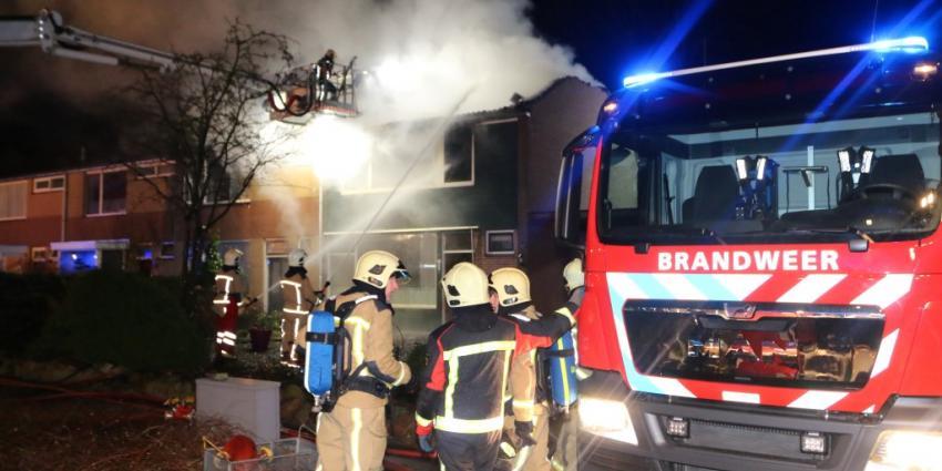Uitslaande woningbrand Zuidlaren