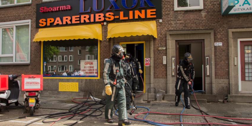 Foto van brand richt schade aan in woningen in Rotterdam | Flashphoto