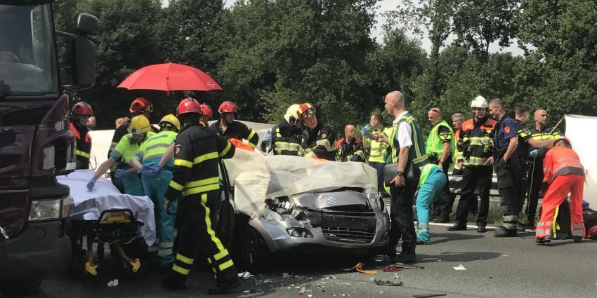 A58 bij Oirschot dicht na ernstige aanrijding