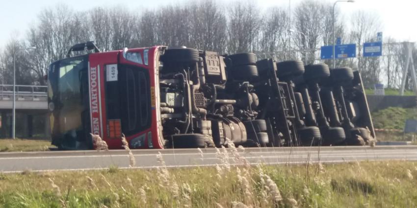 Vrachtwagen gekanteld Groningen