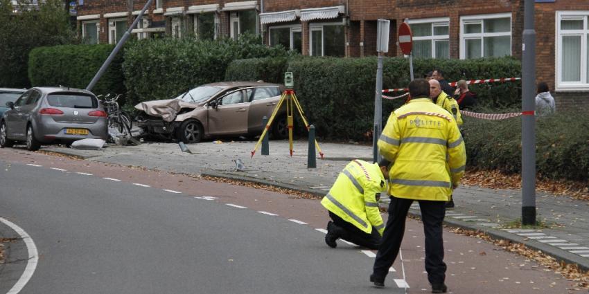 Auto crasht tijdens achtervolging