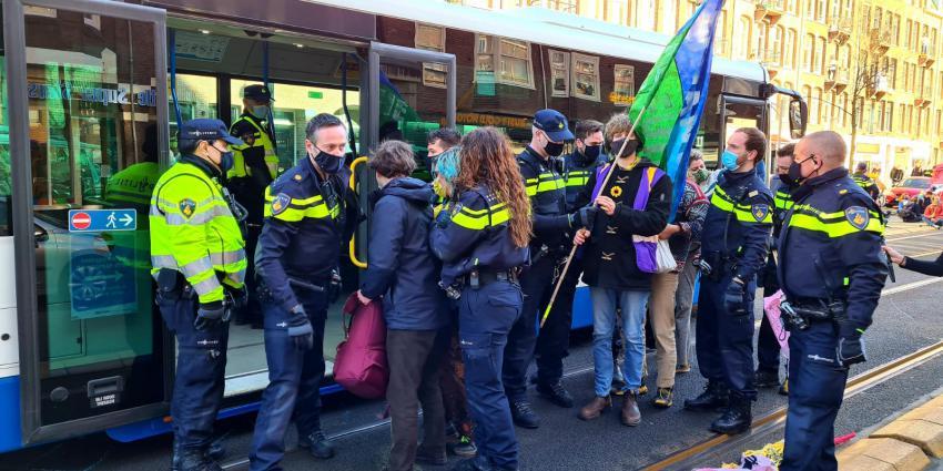 Demonstranten bestuurlijk verplaatst
