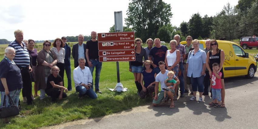 Onthulling toeristische borden in noordelijke dorpen