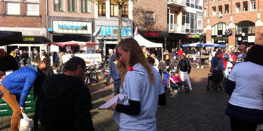 FNV houdt actie in Groningen 'Red de Zorg'