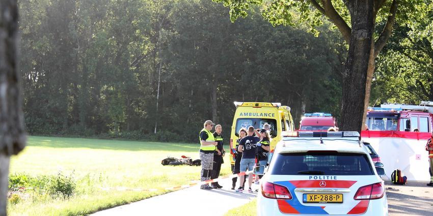 Hulpdiensten bij dodelijk ongeval in Hooghalen