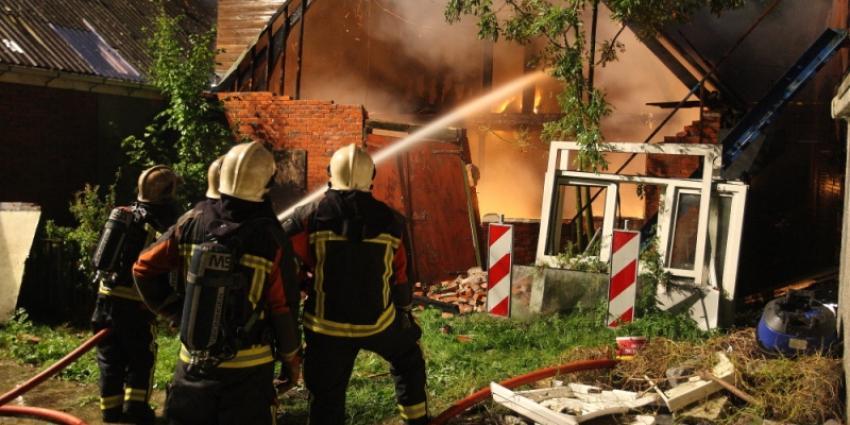 Foto van schuurbrand in Groningen | Rieks Oijnhausen | rieksoijnhausen.nl/