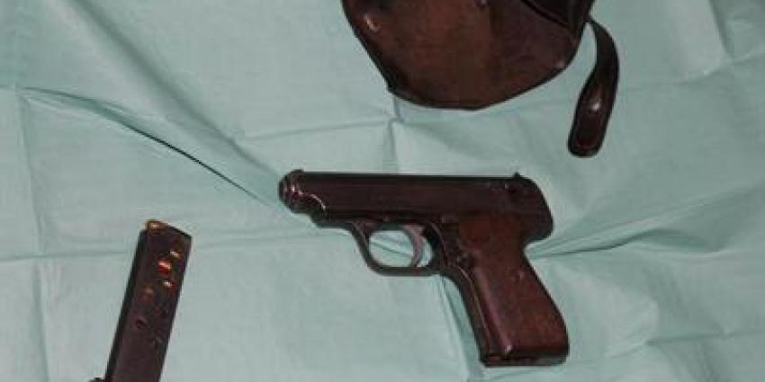 Foto van vuurwapen   Landelijk Parket