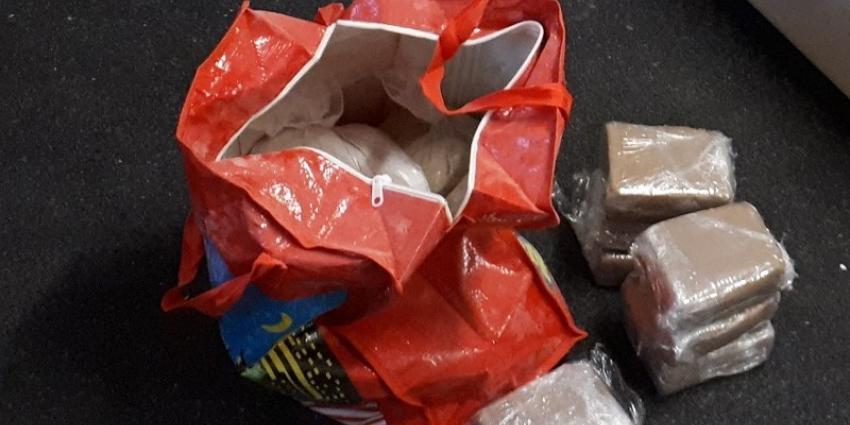 13,5 Kilo heroïne uit het raam bij bedrijf Spaanse Polder
