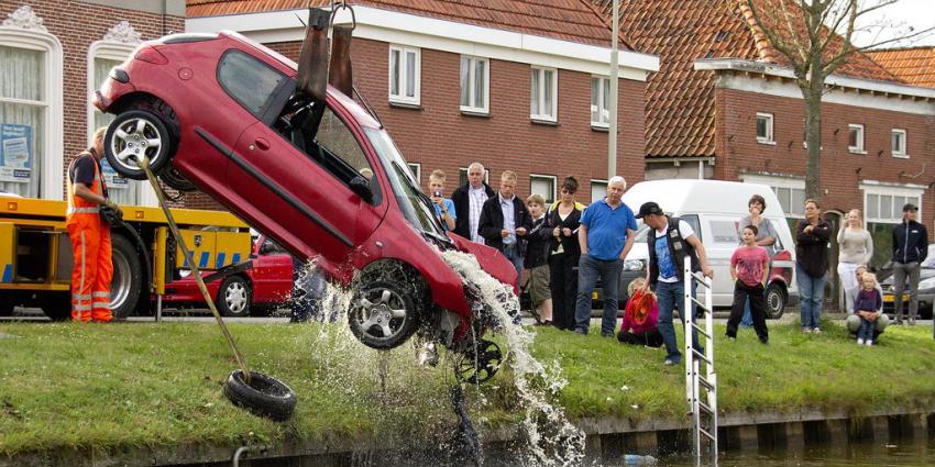 Foto van auto te water in Wildervank | Stichting VIP | www.parkstadveendam.nl