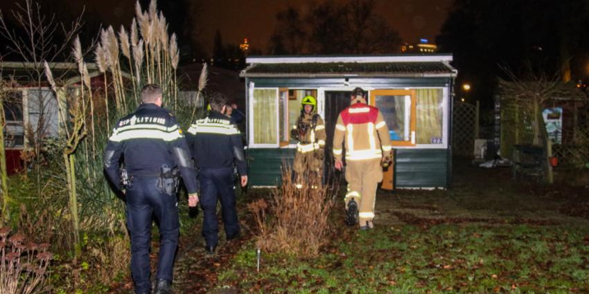 Veel schade na brand tegen gevel tuinhuis