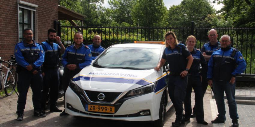 Foto van nieuwe auto handhaving