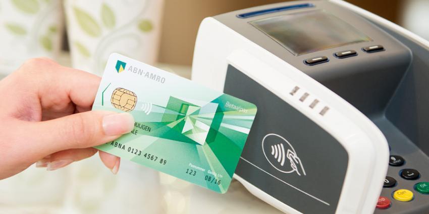 Contactloos betalen vervijfvoudigd in 2016