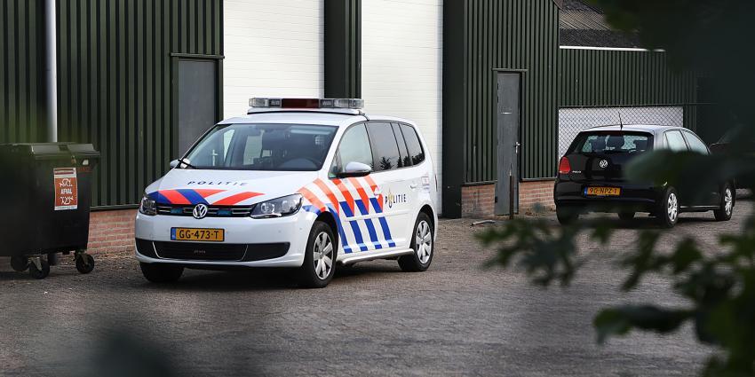 Drie aanhoudingen na vondst gestolen auto in loods Sint-Oedenrode
