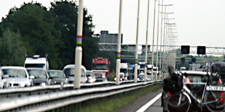 Verkeer A12 vast na ongeval