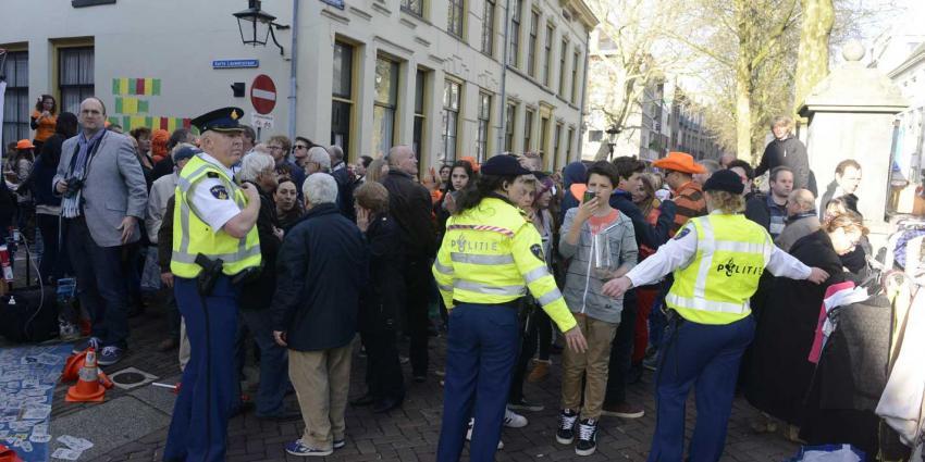 Zwaargewonde bij brandende gasfles op vrijmarkt in Utrecht