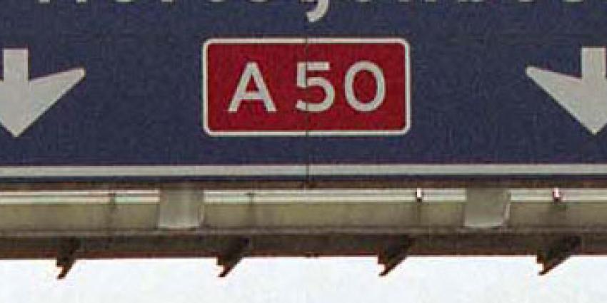 Dode en vier gewonden bij ongeval op A50