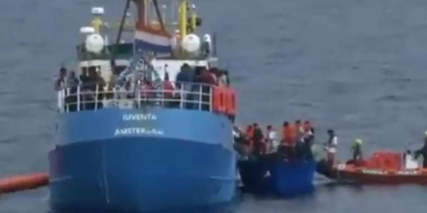 Nederland neemt twintig migranten op van het NGO-schip Lifeline