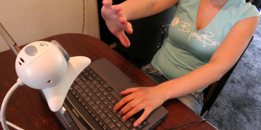 foto van banken om de tafel cyberaanval | fbf