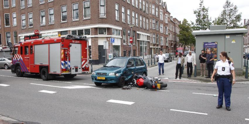 Motorrijder gewond bij aanrijding in Rotterdam