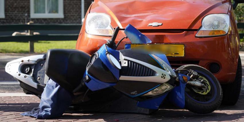 aanrijding-scooter-auto
