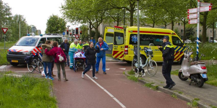 Voetgangster gewond na botsing met scooter
