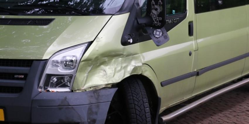 Automobilist gewond bij botsing in Anderen