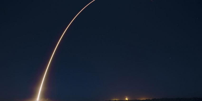 Raket na bezoek aan ruimte veilig op aarde geland