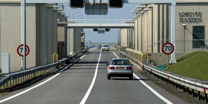 Verkeer muurvast door storing op Afsluitdijk