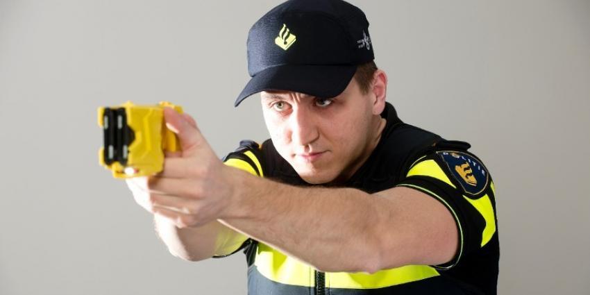 Agent met taser