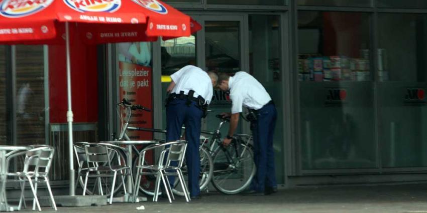 Foto van agenten bij Burger King | Archief EHF