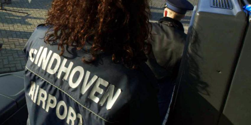 Marechaussee onderzoek bommelding Eindhoven Airport