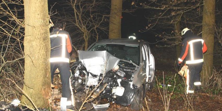Automobiliste (21) zwaargewond na ongeval