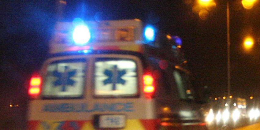 Bewoner ernstig gewond bij woningbrand