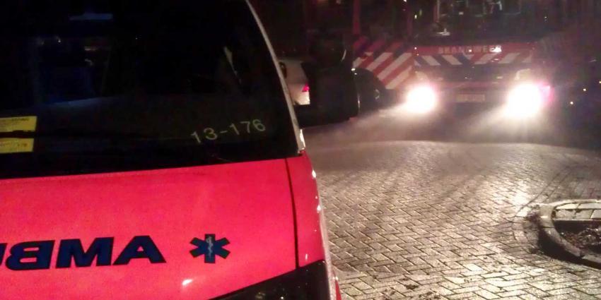 Brandweer redt bewoner bij woningbrand