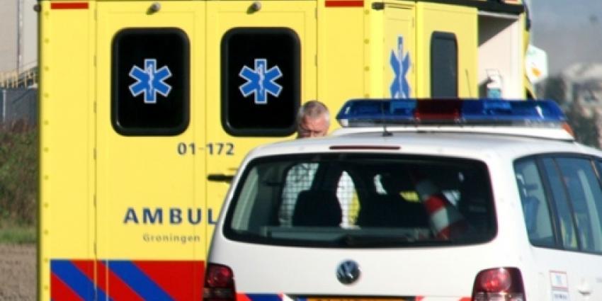 Bestuurster gewond bij aanrijding in Doezum