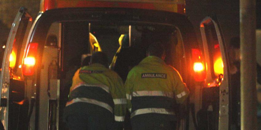 Dakloze (22) aangereden door auto, bestuurder gaat er vandoor