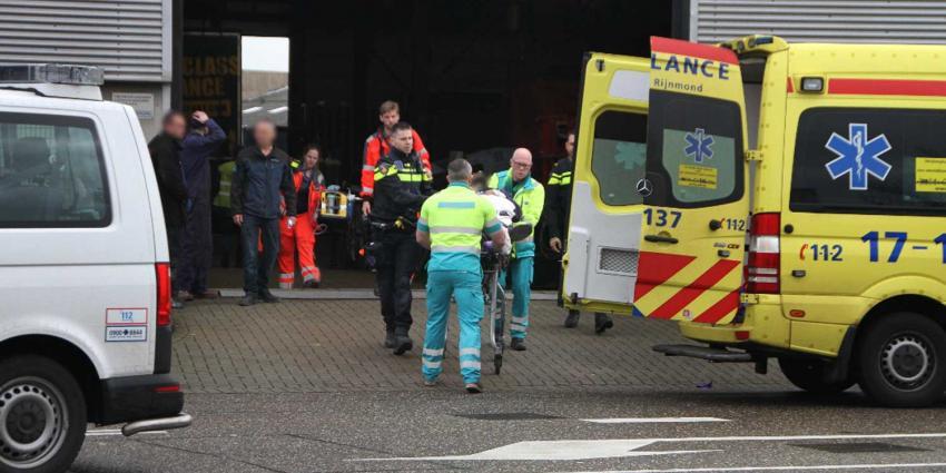 Man zwaargewond bij bedrijfsongeval Schiedam