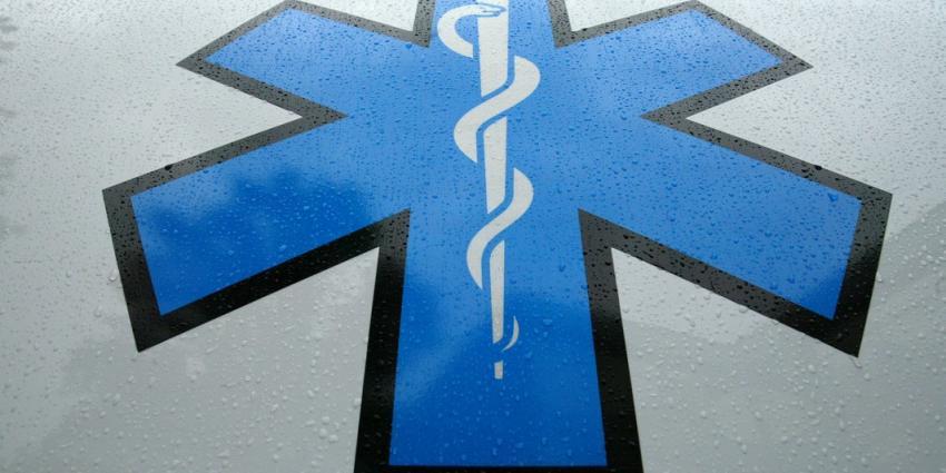 Ambulancemedewerkers bedreigd met mes