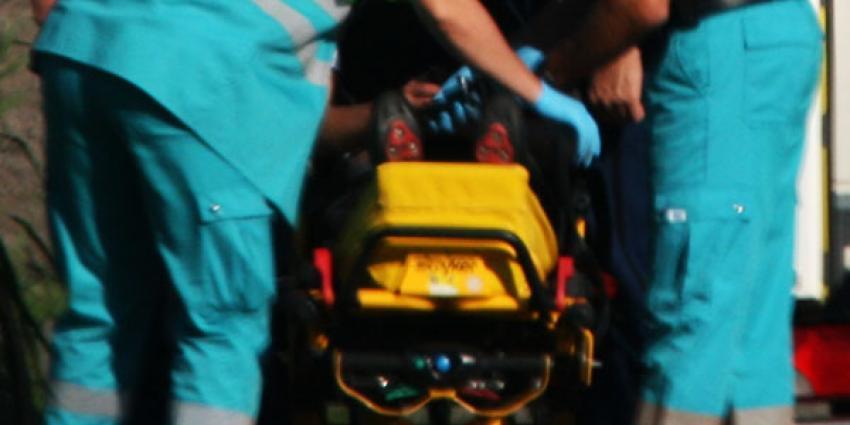 Vrouw (30) en kind (1) gewond door explosie