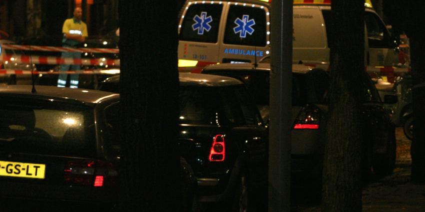 Foto van medewerker ambulance in donker | Archief EHF